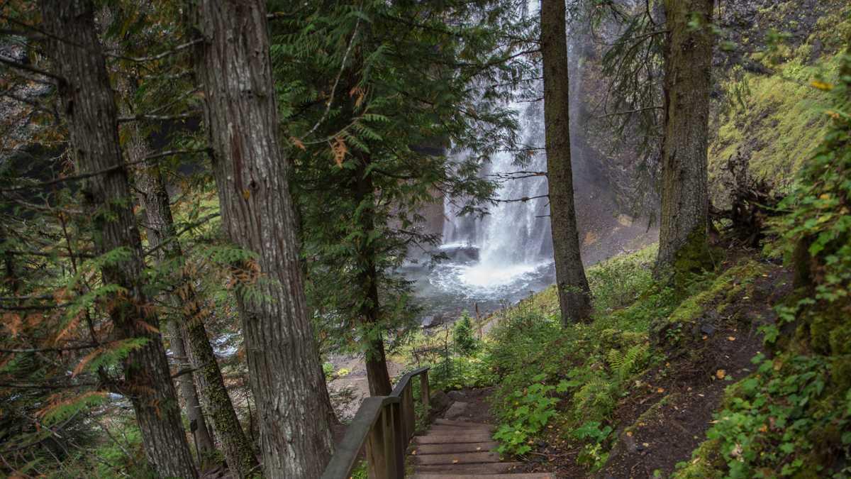 Moul Falls im Wells Gray Provincial Park